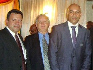 Representantes-de-Arevenca-con-Dino-Bouterse